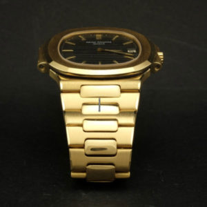 Patek Philippe Nautilus ref 3700:1 18k yellow gold with extract of archive 6