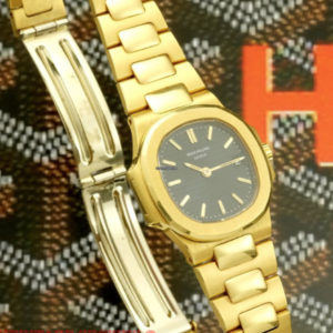 Patek Philippe Nautilus ref 4700:1 18k yellow gold with extract of archive3